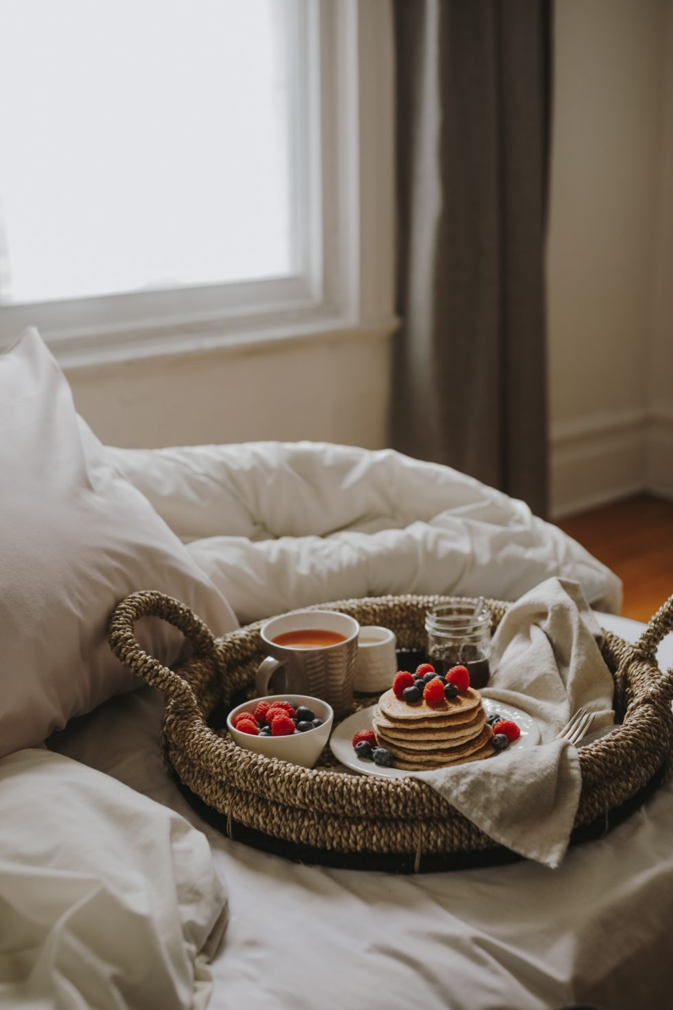 breakfast-bed-montreal-lifestyle-photographer-laura-g-diaz